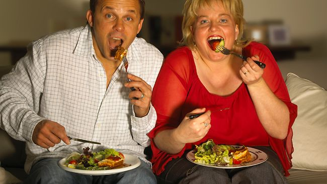 Increase in watching tv on pc with dinner for What do people eat on thanksgiving