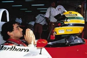senna_mclaren_prayer